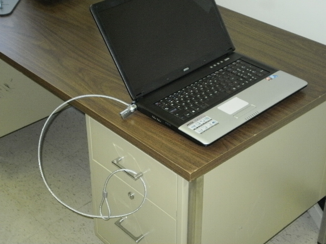 Campus Linens Canada - Laptop Lock