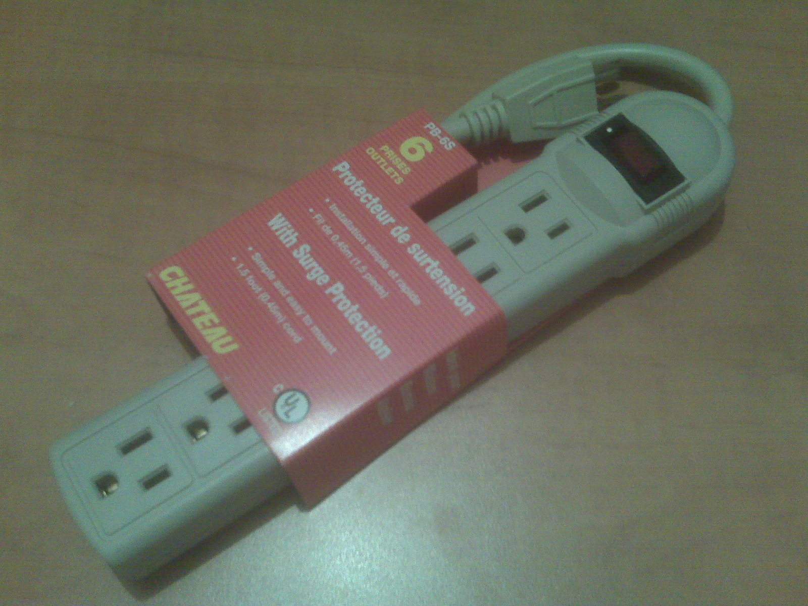 Campus Linens Canada - Power Bar & Surge Protector